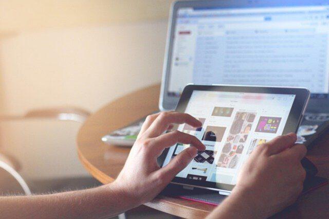 co znaczą skróty używane w Internecie