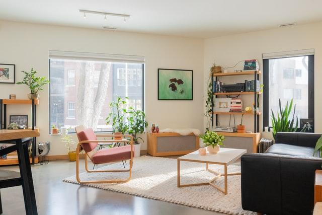 Styl minimalistyczny i inne aranżacje nowoczesnego salonu